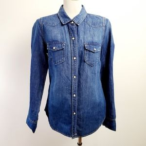 J crew size 4 blue snap button top